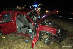 Czołowe zderzenie dwóch samochodów