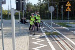 Zajęcia dla dzieci z Ciechanowa w miasteczku ruchu drogowego w Modlinie