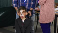 Rodzinne Mikołajki zorganizowane przez stowarzyszenie Mazovia ProActiv. Niosą pomoc dla chorego Artura.