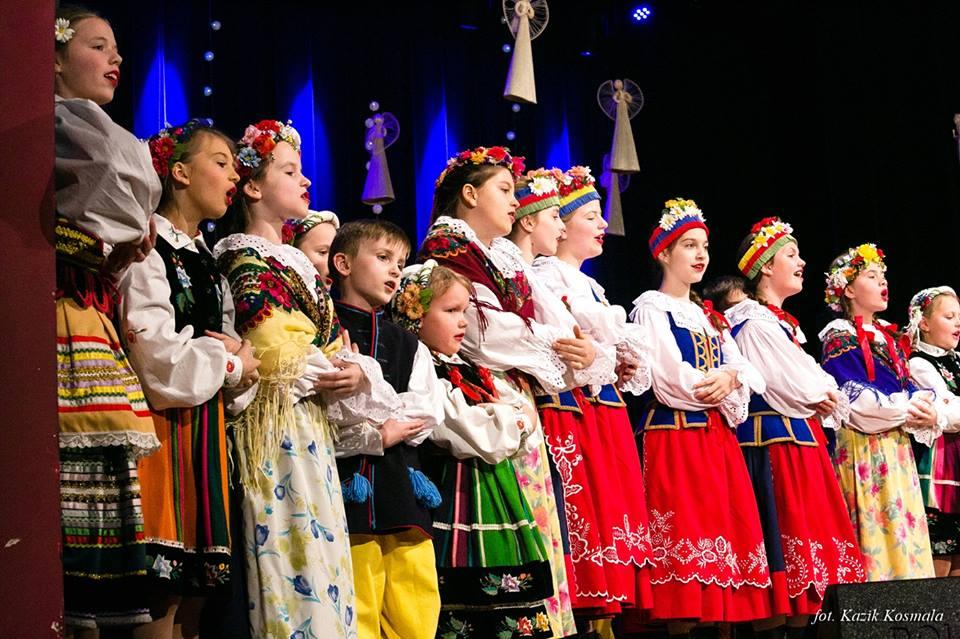 """Koncert Bożonarodzeniowy, w wykonaniu Ludowego Zespołu Artystycznego """"Ciechanów"""" i """"Mały Ciechanów"""""""