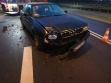 Wypadek drogowy z udziałem 3 samochodów