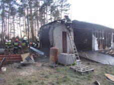 Pożar drewnianego budynku