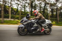 Pędził motocyklem 195 km/h. Zatrzymania dokonała grupa Speed