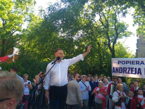 Andrzej Duda odwiedzi艂 Ciechan贸w