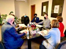 Podpisanie umowy na budowę dwukierunkowej ścieżki rowerowej do Gołotczyzny